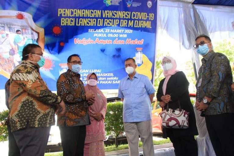 Dirjen Pelayanan Kesehatan Kemenkes Ri  Tinjau Pelaksanaan Vaksinasi Lansia Kota Padang